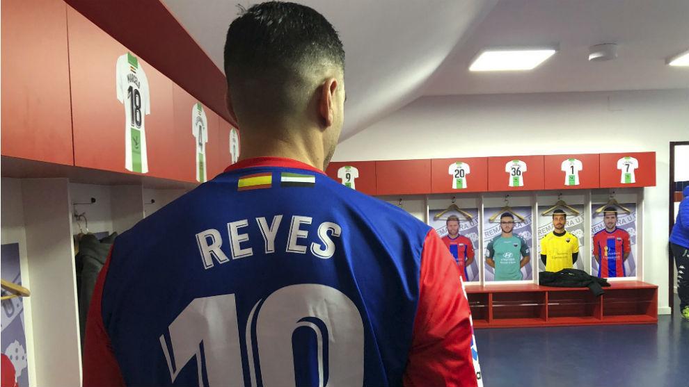 José Antonio Reyes with Extremadura.