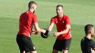 Roberto Soldado en su primer entrenamiento con el Granada CF.