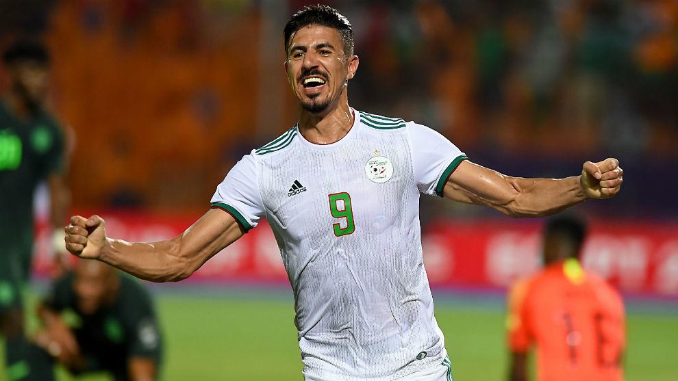 Baghdad Bounedjah (27), celebra un gol de Argelia ante Nigeria.
