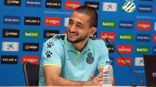 Vargas, sonriente, durante su presentación.