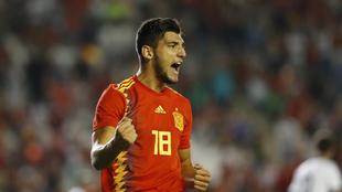 Rafa Mir celebra un gol marcado con la selección sub 21