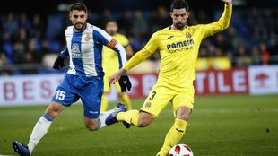 Álvaro González durante un partido del Villarreal.