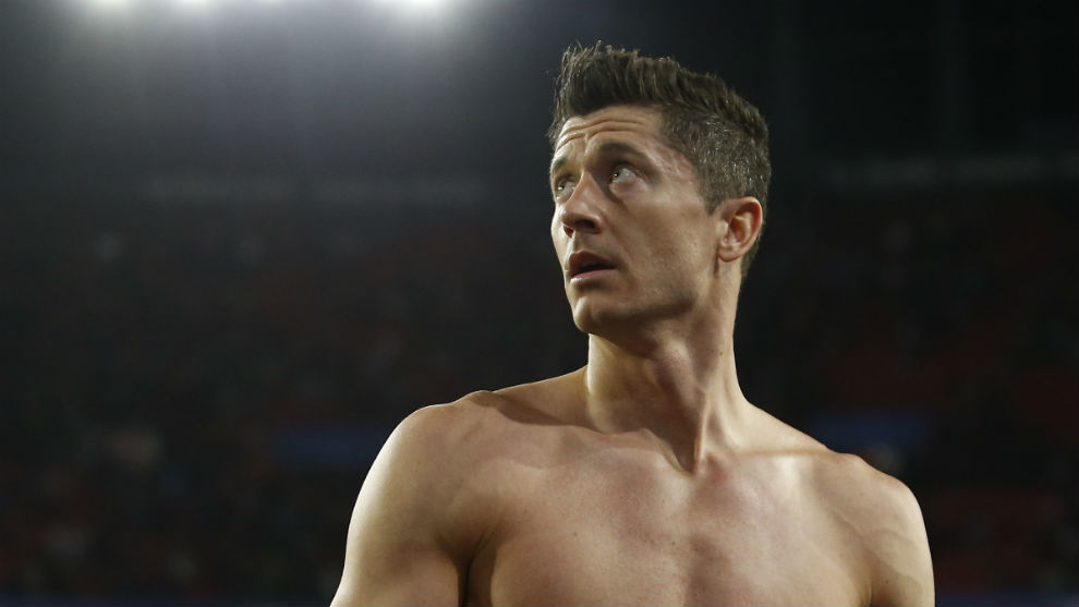 Robert Lewandowski (30).