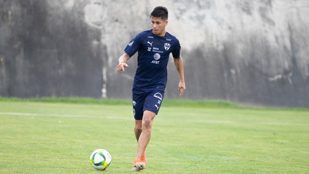 Omar Arellano vuelve a México para jugar con Querétaro