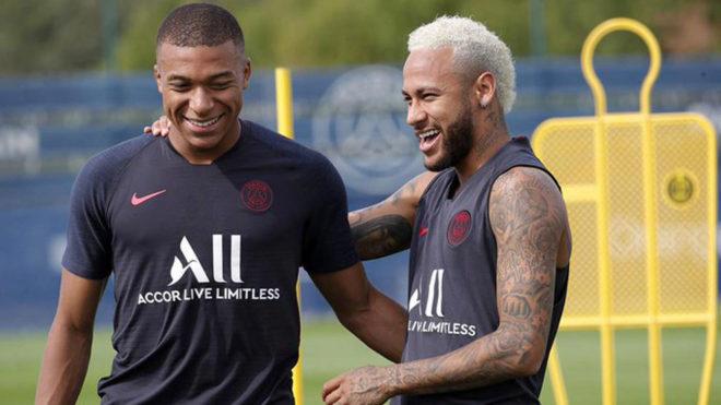 Mbappé y Neymar durante el entrenamiento.