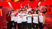 Los Shanghai Dragons celebraron su victoria en la Fase 3 de la...