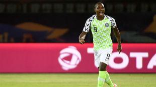 Odion Ighalo (30) celebra su gol.