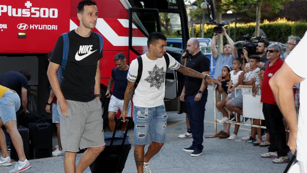Kalinic y Correa a su llegada a Los Ángeles de San Rafael.