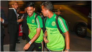 Carlos Vela y Giovani dos Santos con la selección mexicana.