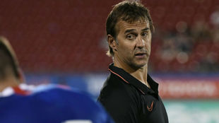 Lopetegui during the win over Dallas.