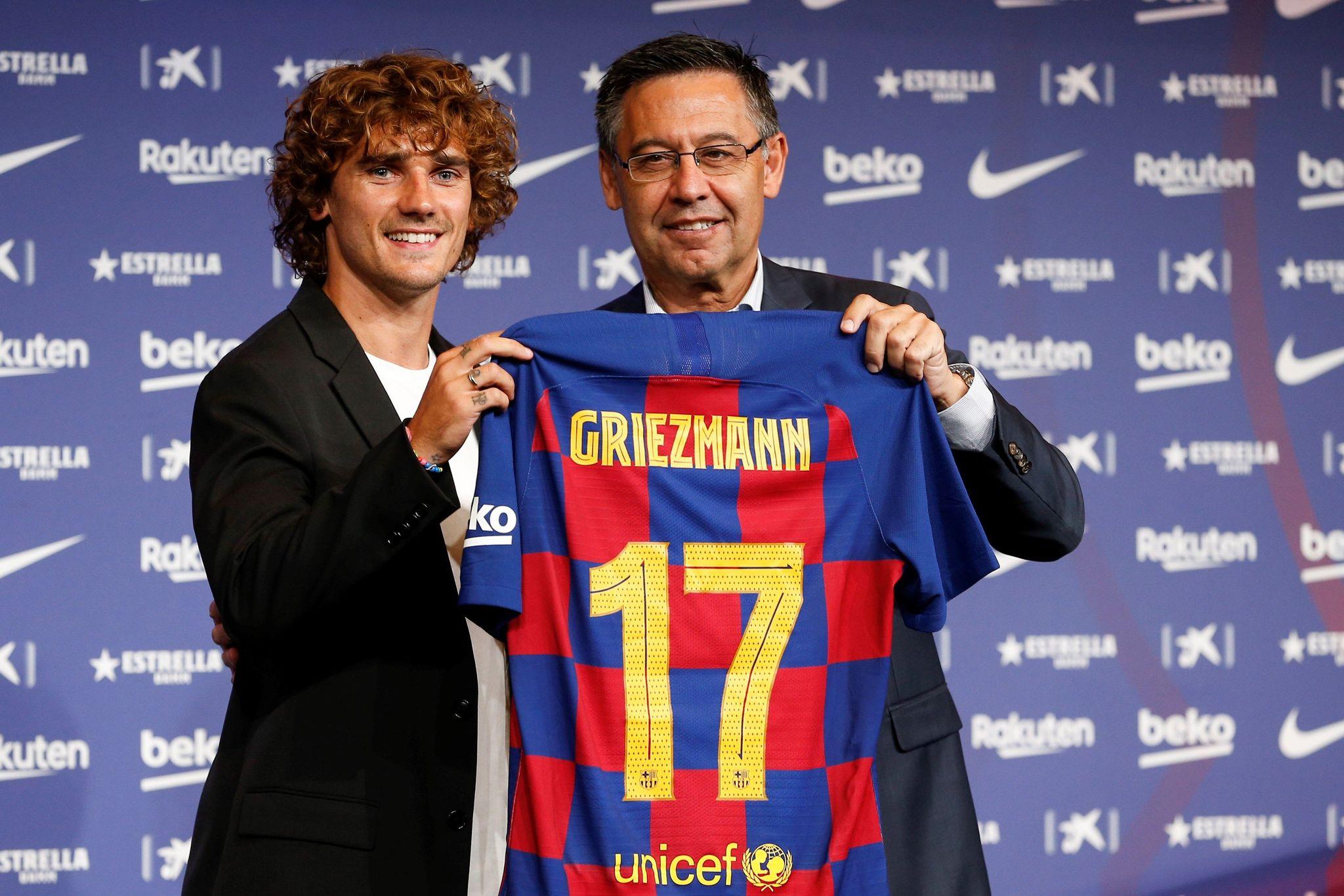 Griezmann en la presentación con el Barça