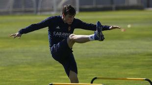 Alberto Soro, durante un entrenamiento con el Zaragoza.