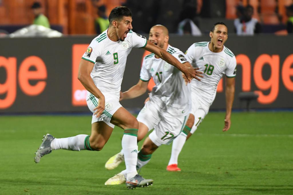 Bounedjah celebra el gol con el que Argelia abrió el marcador.