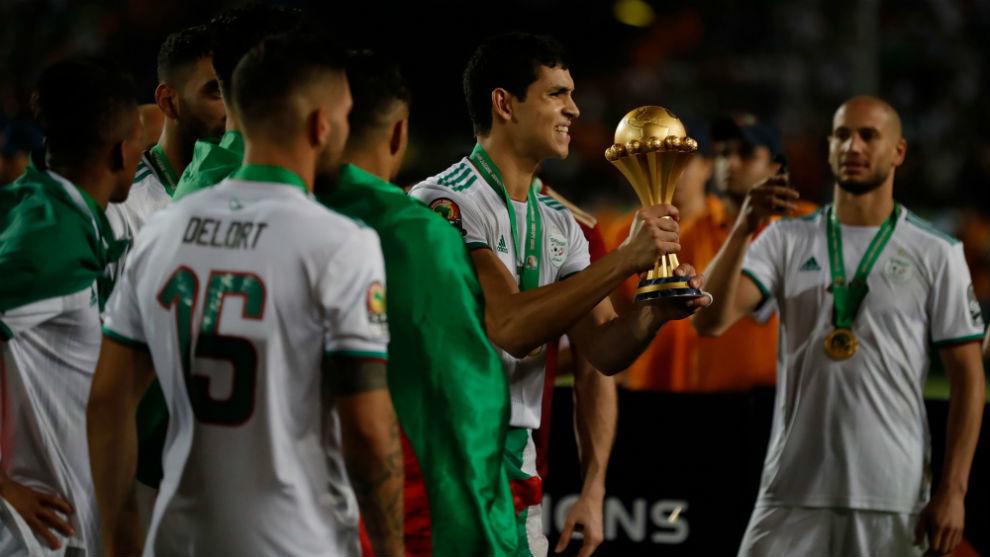 Mandi, con la Copa de África