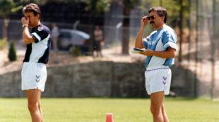 Benito Floro y Emilio Cidad, durante un entrenamiento del Madrid.