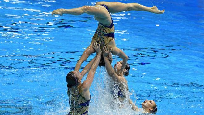 El equipo ruso durante su actuación.