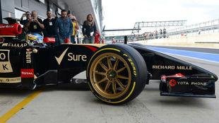 En julio de 2014, Lotus Renault ya probó unas primigenias llantas de...