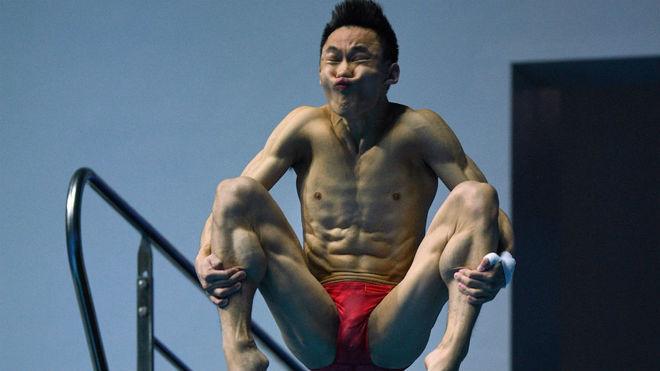 Hao yang,durante un salto en la final