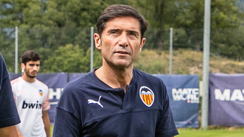 Marcelino, antes del partido contra el Mónaco en Lens.