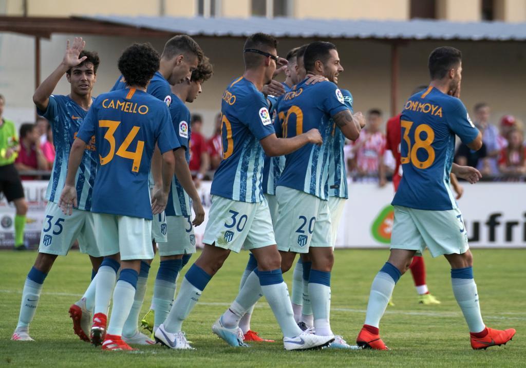 El Atlético celebrando el gol de Vitolo