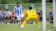 Portu intenta batir sin éxito a Luca Zidane, en el amistosos en...