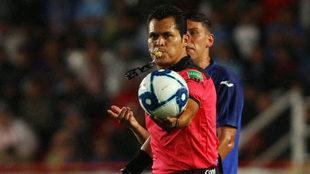 Pérez Durán en el Estadio Victoria.