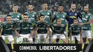Un equipo titular de Palmeiras en un partido de la Copa Libertadores.
