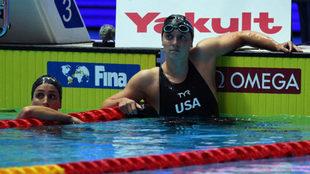 Katie Ledecky, contrariada tras perder la final de los400 m libre.