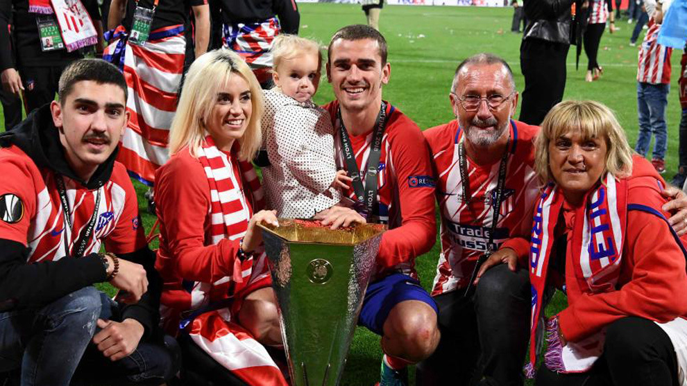 Griezmann's family after Atletico's Europa League success in 2018