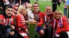 Griezmann, al lado de su padre en una foto familiar tras ganar la...