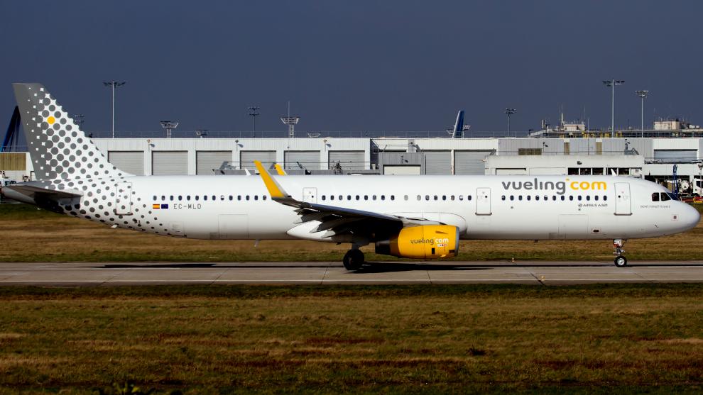 La polémica por la prohibición de Vueling a una pasajera