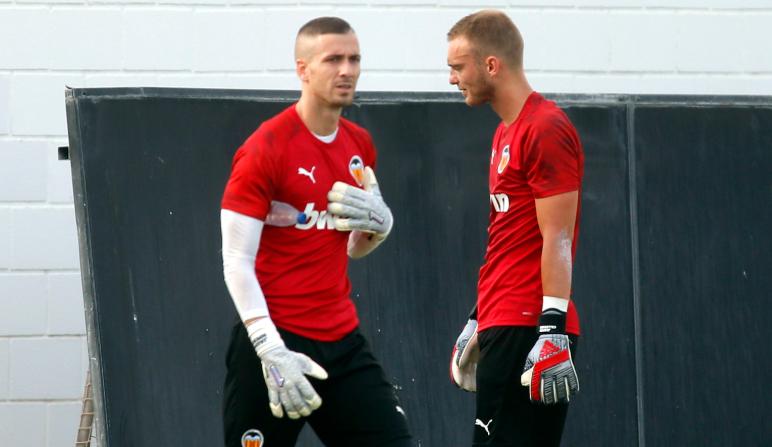 Jaume y Cillessen en un entrenamiento con el Valencia
