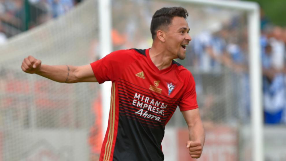 Matheus celebrando un gol la pasada temporada