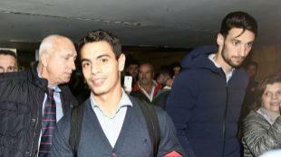 Ben Yedder y Sergio Rico, en el aeropuerto de Sevilla.
