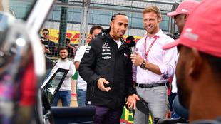 Hamilton y Button en Silverstone.