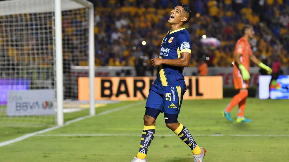 Cándido Ramírez en el partido ante Tigres