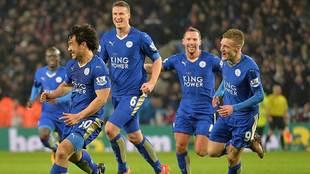 Okazaki  celebra su golazo al Newcastle con el Leicter en la Premier...