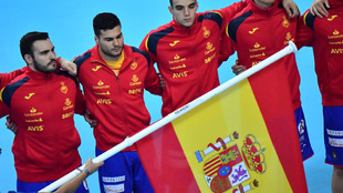 Los jugadores españoles antes del partido ante Eslovenia /
