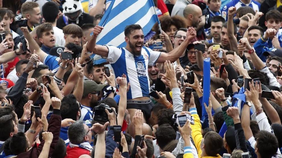Borja Iglesias sale en hombros, tras el último encuentro de LaLi