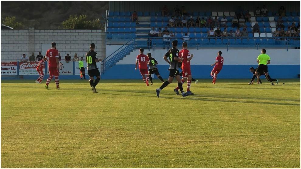 Lance del partido que enfrentó al Coria y al Extremadura