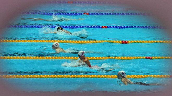 Vall, en primer término, en la serie que nadó en los 200 m braza.