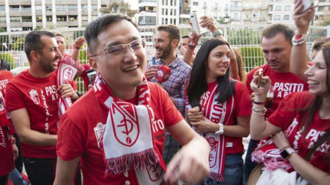 John Jiang, tras el ascenso a Primera división.