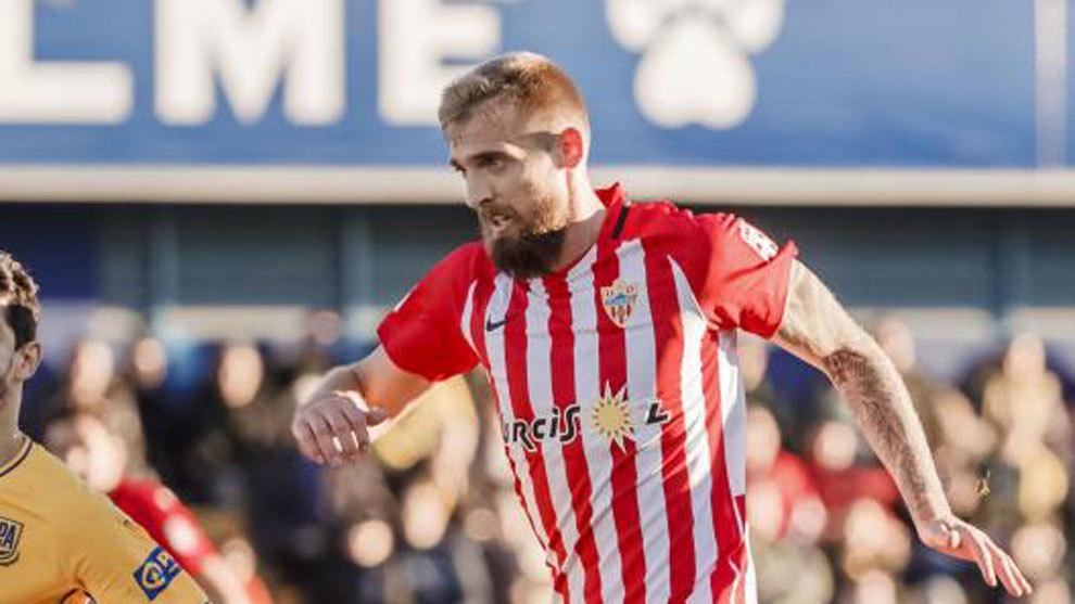 Saveljich, durante un partido con el Almería.