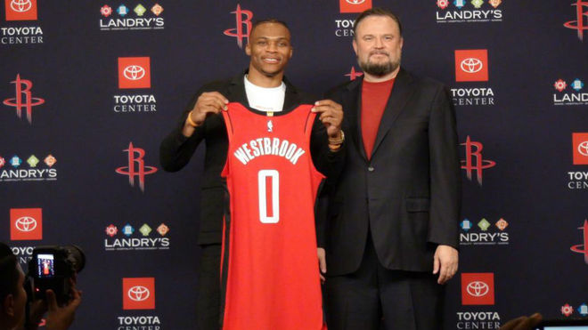 Inicia la era Westbrook — Houston Rockets