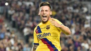 Carles Pérez festeja uno de sus goles.