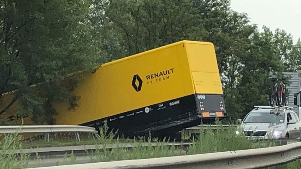 Camión de Renault F1, involucrado en un accidente en Hungría
