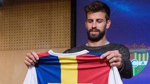 Piqué, con la camiseta del Andorra.