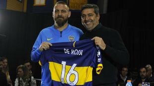 De Rossi en su presentación oficial con Boca.