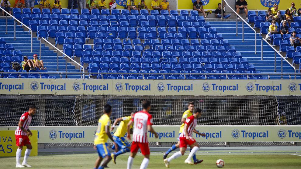 La U.D. Las Palmas, junto a Granada y Málaga, no pueden inscribir a jugadores