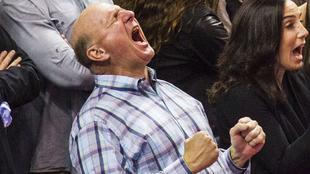 Steve Ballmer durante un partido con los Clippers